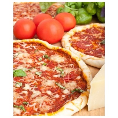 pizzadeeg met saus